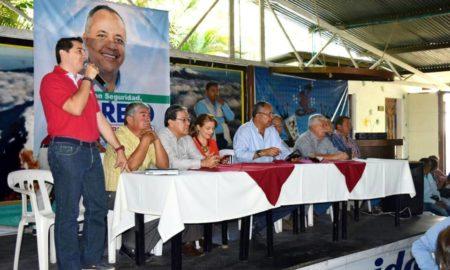 el_super_asesor_del_alcalde_y_otros_burocratas_en_reunion_de_oscar_barreto.jpg
