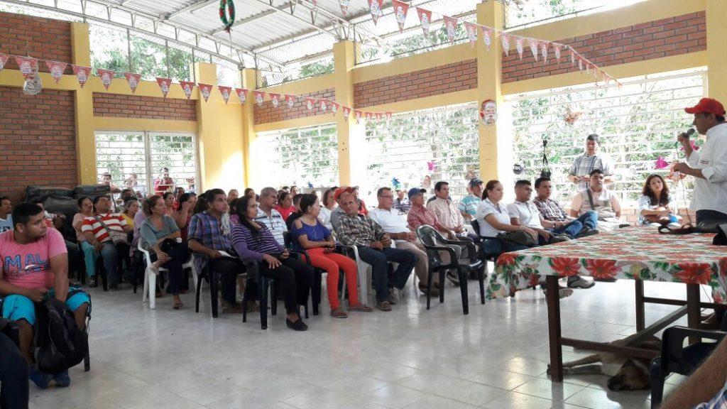Reunión con la comunidad de la Vereda Guasimal, Espinal Mauricio Ortiz Monroy Alcalde. Cambioin